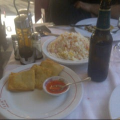 Photo taken at Restaurante Chino Jin by Jerito S. on 12/1/2011