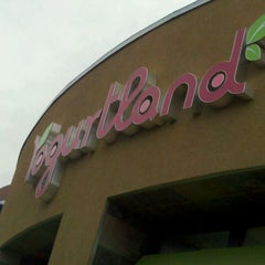 Photo taken at Yogurtland by Dan M. on 5/9/2011