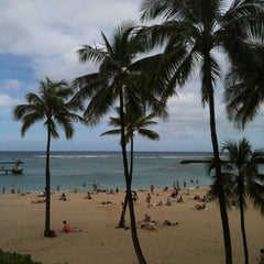 Photo taken at Super Pool and Keiki Pool (Children's Pool) by melbelle on 3/11/2012