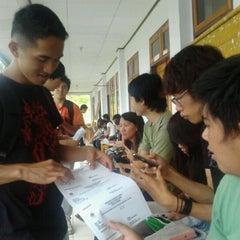 Photo taken at Fakultas Ekonomi UNIMA by Dina M. on 2/2/2012