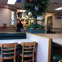 Photo taken at Wendy's by Bob D. on 12/28/2010