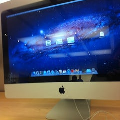Photo taken at Apple Store, Perth City by Ahmad B. on 11/10/2011