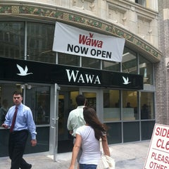 Photo taken at Wawa Food Market #86 by Ian S. on 6/26/2012
