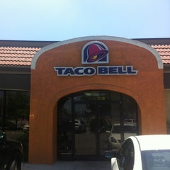 Photo taken at Taco Bell by Mike B. on 5/31/2012