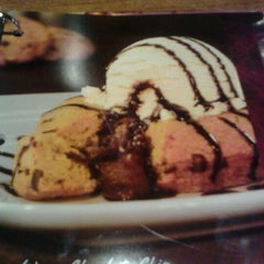 Photo taken at Red Lobster by DeeDee B. on 11/17/2011