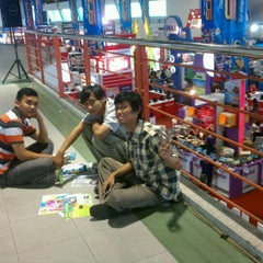 Photo taken at SCOMDEX 2011 Surabaya by Reza A. on 11/2/2011