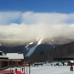 Photo taken at Stowe Mountain Resort by KMP Blog on 1/21/2011