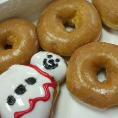 Photo taken at Krispy Kreme Doughnuts by Kelly C. on 12/20/2011