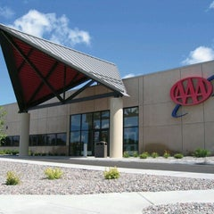 Photo taken at AAA Minneapolis - St. Louis Park by Vincent H. on 9/7/2011