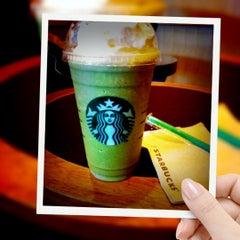Photo taken at Starbucks (สตาร์บัคส์) by Michiko M. on 6/11/2012