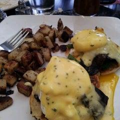 Photo taken at Kanela Breakfast Club by Katie Z. on 7/28/2012