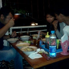 Photo taken at Bubur Ayam Bandung Kartika by lady g. on 3/20/2012