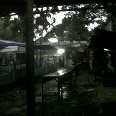 Photo taken at Kantin Belakang Menara Batavia by Kusnaedi on 10/25/2011