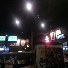 Photo taken at Buffalo Wild Wings by Donna R. on 8/6/2011