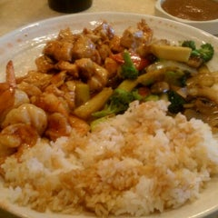 Photo taken at Wokano Japanese Steakhouse by Anthony M. C. on 4/2/2011