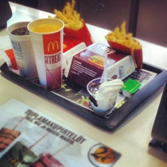 Photo taken at McDonald's by Ossi T. on 6/1/2012