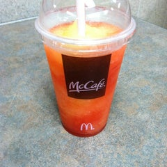 Photo taken at McDonald's by Vincent L. on 5/28/2011