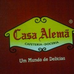 Photo taken at Casa Alemã by Omar F. on 11/14/2011