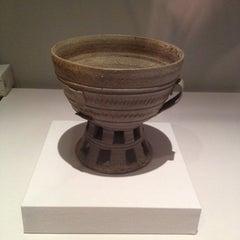 Photo taken at 국립중앙박물관 (National Museum of Korea) by Seongtak O. on 8/15/2012