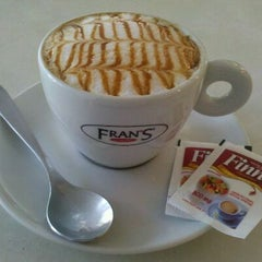 Photo taken at Fran's Café by Plínio P. on 12/7/2011