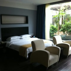 Photo taken at 元生态休闲酒店 Osotto Recreational Hotel by Innessa S. on 11/9/2011