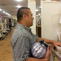 Photo taken at HomeGoods by Kimberly H. on 7/13/2012