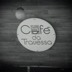 Photo taken at Café da Travessa by Iuri Z. on 1/27/2012