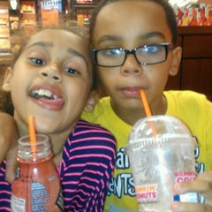 Photo taken at Dunkin Donuts by Elizabeth F. on 9/2/2012