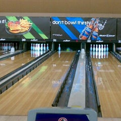 Photo taken at AMF 34th Avenue Lanes by Benj A. on 12/31/2011