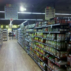 Photo taken at Nature's Food Patch Market & Cafè by Travis N. on 8/28/2011