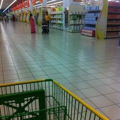 Photo taken at Lulu Hypermarket مركز اللولو by Aida W on 3/14/2012