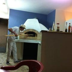 Photo taken at Pizzería Di Doru by Adriiann T. on 11/7/2011