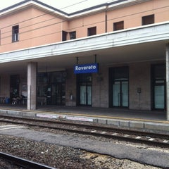 Photo taken at Stazione di Rovereto by Vito D. on 4/5/2012