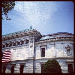 Photo taken at Corcoran Gallery of Art by Maria Helena C. on 6/19/2012