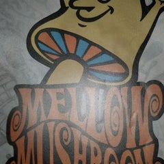 Photo taken at Mellow Mushroom Pizza Bakers by Jen R. on 7/21/2012