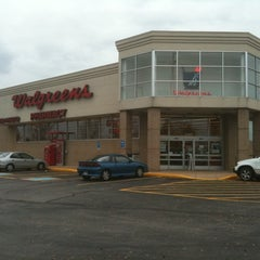 Photo taken at Walgreens by Steve Ole O. on 10/12/2011