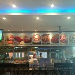 Photo taken at Restoran Al-Ali Bistro by Ina N. on 2/1/2012