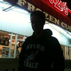 Photo taken at Doozle's Ice Cream by Melissa P. on 9/6/2011