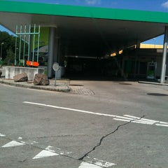 Photo taken at BP Shop Süd by Marjolein V. on 6/22/2012