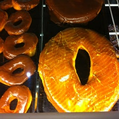 Photo taken at Round Rock Donuts by Aaron H. on 3/10/2012