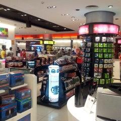 Photo taken at Virgin Megastore | فيرجن ميجاستورز by Loai M. on 8/9/2012