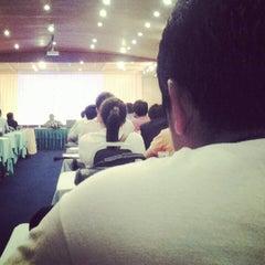 Photo taken at คลองพร้าว รีสอร์ต (Klong Prao Resort Koh Chang) by OaT T. on 9/5/2012