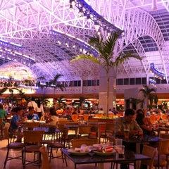 Photo taken at Praça de Alimentação by Thaís C. on 1/9/2012