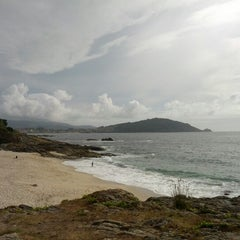 Photo taken at Praia de Fortiñón by opaco on 8/12/2012