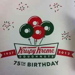 Photo taken at 크리스피크림도넛 / Krispy Kreme Doughnuts by J J. on 7/16/2012