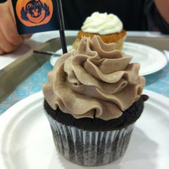 Photo taken at O-cake by Joha M. on 10/29/2011