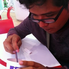 Photo taken at Cherry Frozen Yogurt by Pahozitha B. on 6/24/2012