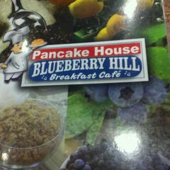 Photo taken at Blueberry Hill Breakfast Cafe by Hughes A. on 12/27/2011