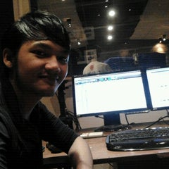 Photo taken at Studio 42 by Rifan P. on 11/10/2011