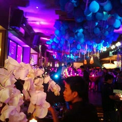 Photo taken at The Rooftop Bar & Restaurant by Ngo Viet T. on 10/17/2011